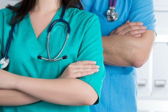 Médicos esperando a la resolución de las OPE del SAS