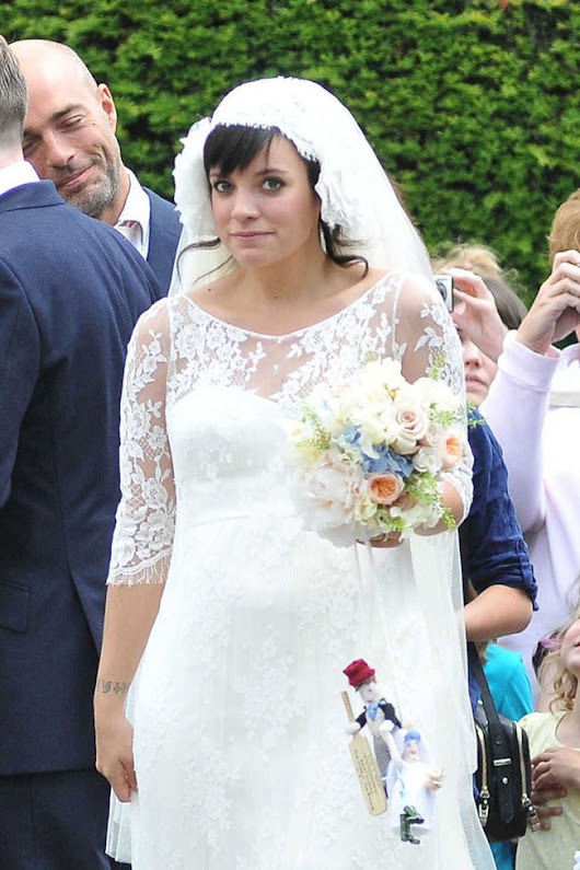 Lily Allen 'loses' Chanel wedding dress worth £200,000