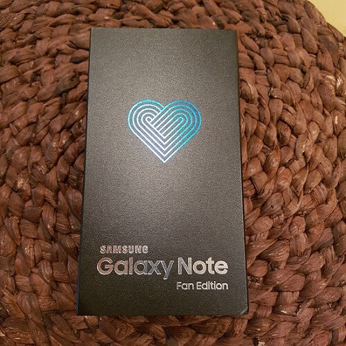 Samsung Galaxy Note Fan Edition: Unboxing and impressions | PhoneArena reviews
