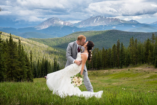 Wedding Photography at Timber Ridge in Keystone: Stephanie & Andy