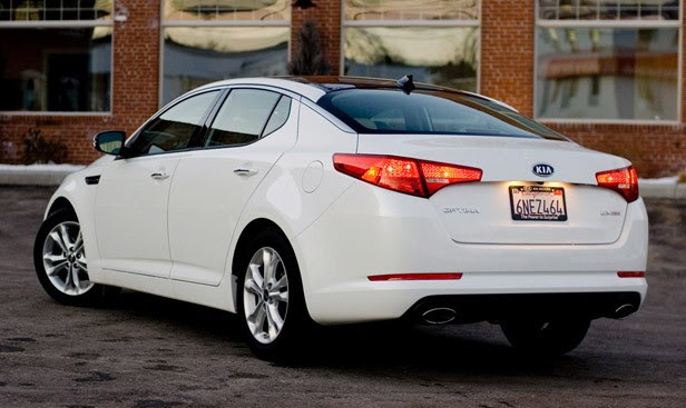 2011 Kia Optima EX rear 3/4 view