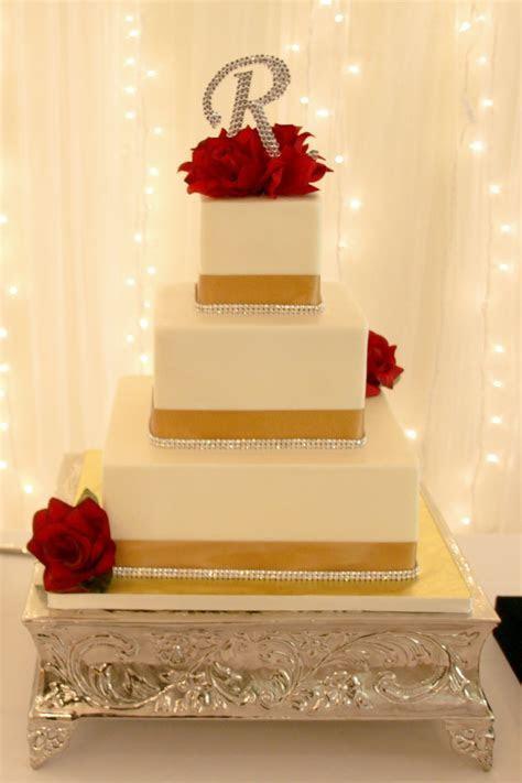 Best 25  Gold square wedding cakes ideas on Pinterest