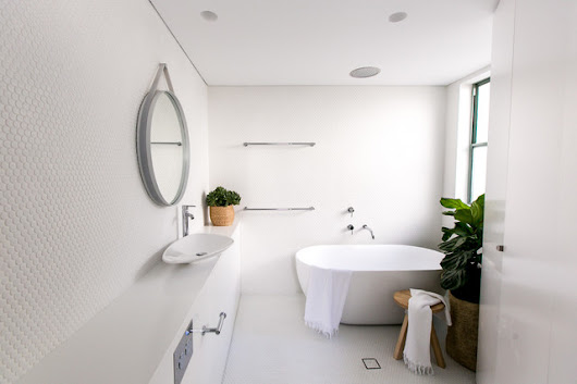 Manly Penthouse - Contemporary - Bathroom - sydney - by C+M Studio