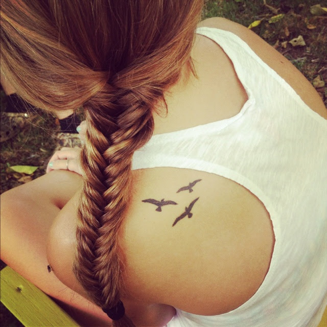 Cute Women Bird Tattoo On Shoulder Tattoomagz