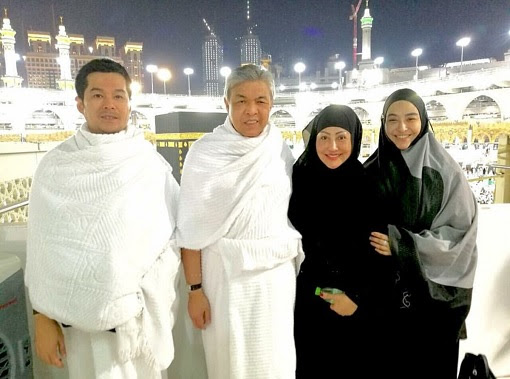 Zahid Hamidi and Family - Umrah in Saudi Arabia