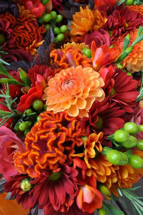 Top 5 Flowers In Season For Your Fall Wedding   My Wedding