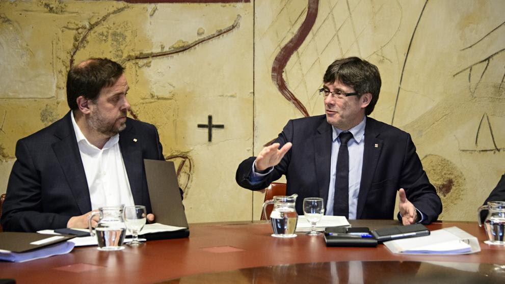 """Puigdemont y Junqueras advierten a Rajoy de que el referéndum se hará """"en cualquier caso"""""""
