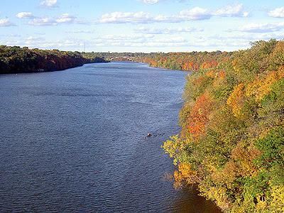 Mississippi River gorge north from Ford Parkway Bridge 30 September