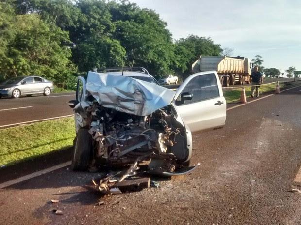 Acidente no trecho da BR-277 em São Miguel do Iguaçu (PR) na manhã desta quarta-feira (11) envolveu três veículos (Foto: Erikson Rezende / RPC)