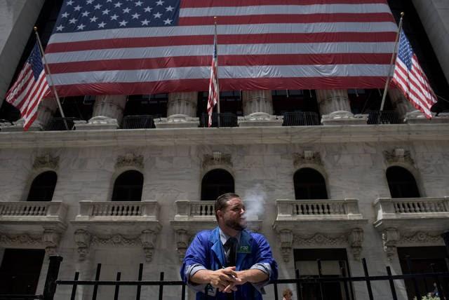 """محدث.. """"ستاندرد آند بورز"""" يرتفع لمستوى قياسي جديد عند الإغلاق"""