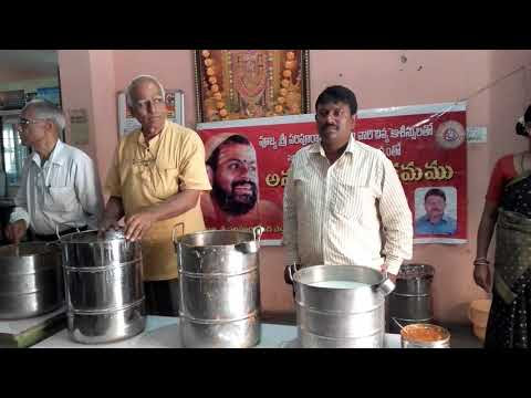 Food distribution to patients attendants at shivananada shelter home run by sevabharathi