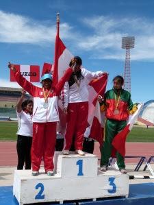 A - medalla de plata para la sicuaneña en 400 metros planos