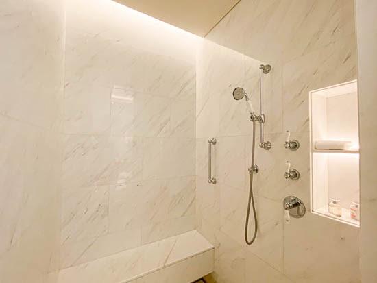 Raffles Hotel Singapore Palm Court Suite Bathroom