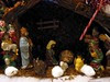 Manger scene with cotton balls
