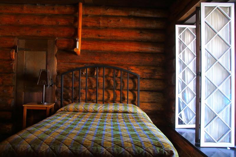 IMG_4918 Old Faithful Inn Old House