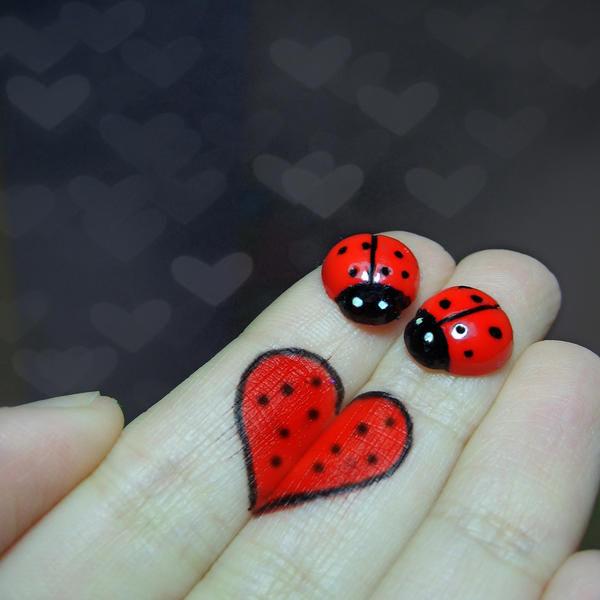 http://fc04.deviantart.net/fs44/i/2009/093/1/c/__love___by_LimpidD.jpg