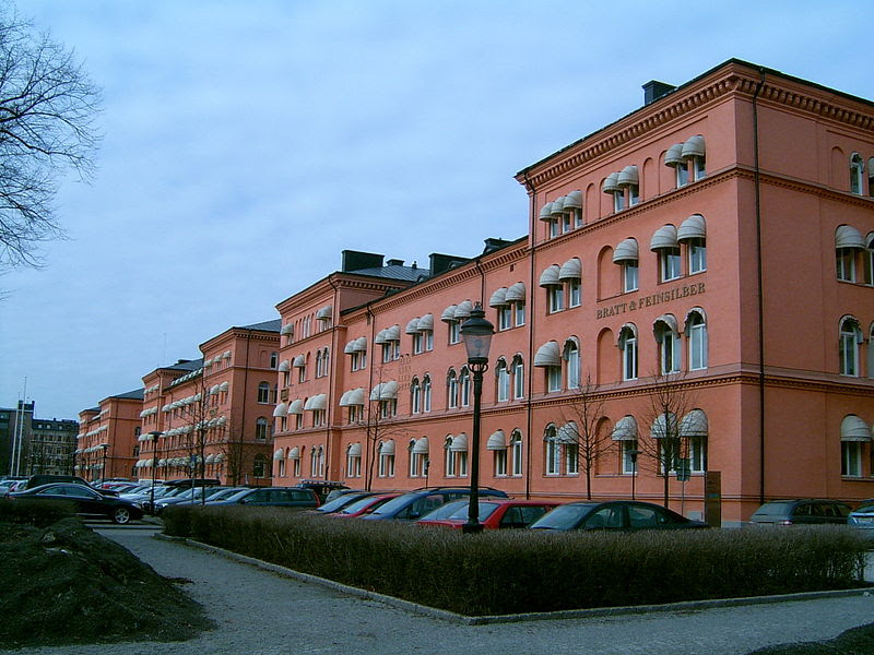 Göta livgarde at Linnégatan, Stockholm (7).JPG