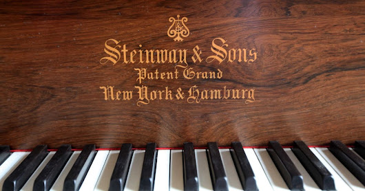 Rare Steinway piano helps raise £10,000 to care for terminally ill