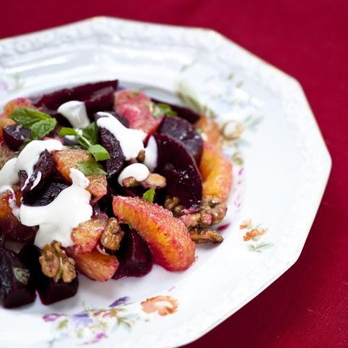 Beetroot and orange salad with yogurt dressing / Peedi-apelsinisalat ingveri-jogurtikastmega