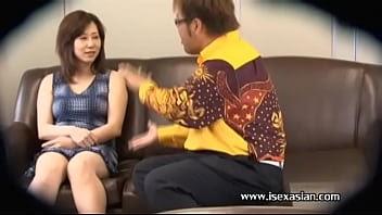 คลิปสาวใหญ่โดนเซลหลอกขายชุดชั้นใน พราดท่าโดนจับนมเล้าโลมจนเงี่ยนแล้วโดนเย็ดซะ -10 min