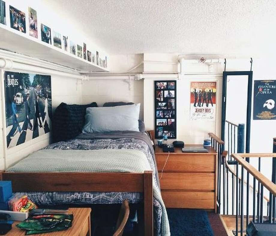 Dorm room decor inspiration that will make your room the ...