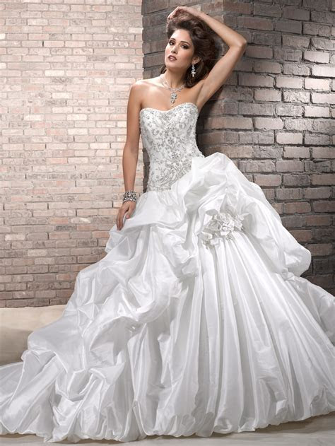 HOW TO FIND A WEDDING DRESS ON A BUDGET!! ? fashionistabudget