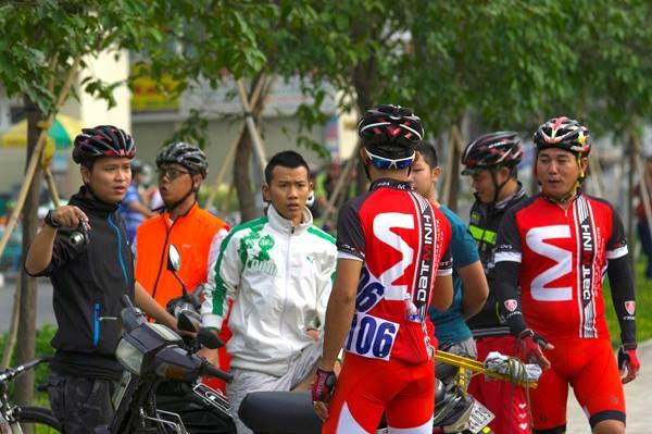 Giới thiệu đồng phục #1: Nón mềm Bác nào biết ở đâu làm cái này chất  nhất chỉ có Clb xe đạp Đat Minh đồng, phục toàn gữi may