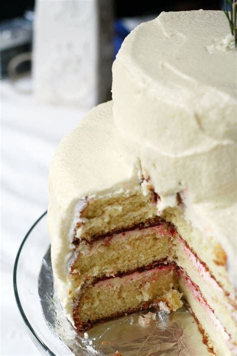 Easy Wedding Cake Recipe   Vintage Mixer   RECIPES TO TRY