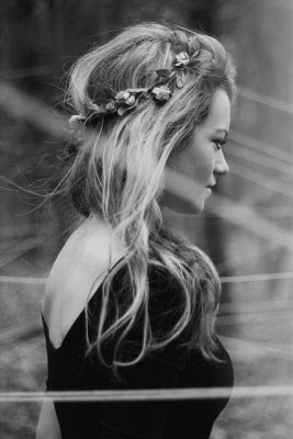 fairy loose hair with flower crown