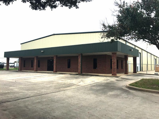 IMMEDIATELY AVAILABLE:  14,000 SF in Northwest Houston