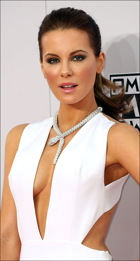 kate beckinsale at the ama's
