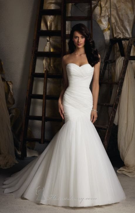 Beautiful mermaid, form-fitting wedding dress