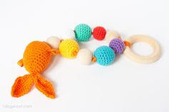 FREE Goldfish teether | www.1dogwoof.com #crochetpattern #free #crochet #pattern #teether