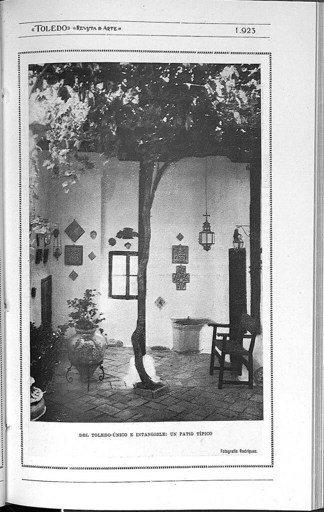 Un patio toledano. Fotografía publicada en junio de 1928 en la Revista Toledo