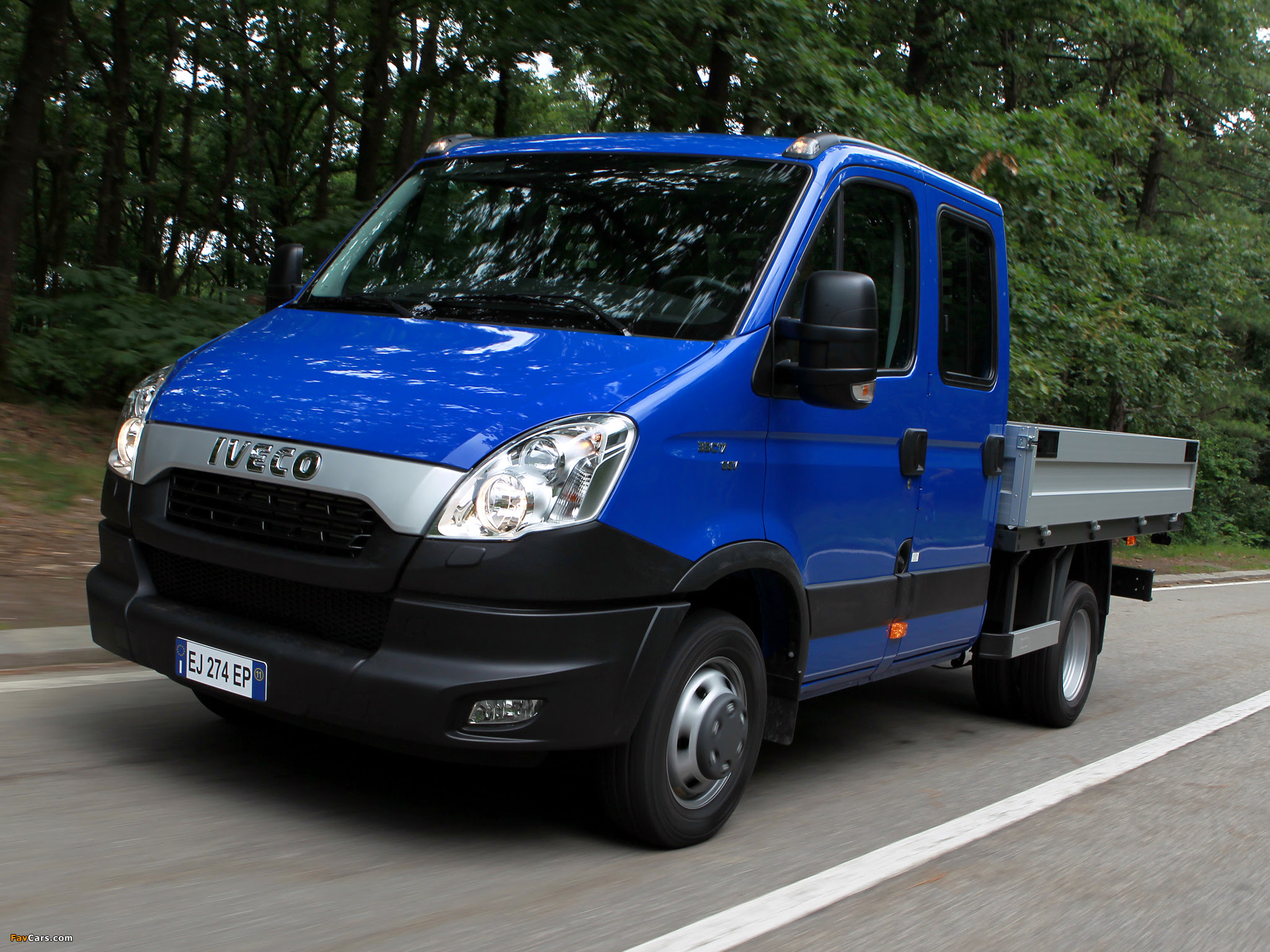 Pictures of Iveco Daily Crew Cab 2011 (2048 x 1536)