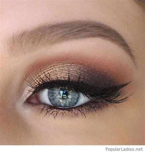Gold and brown eye makeup for blue eyes