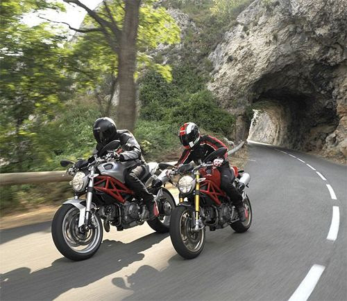 Motorcycling in France | Rules and Requirements
