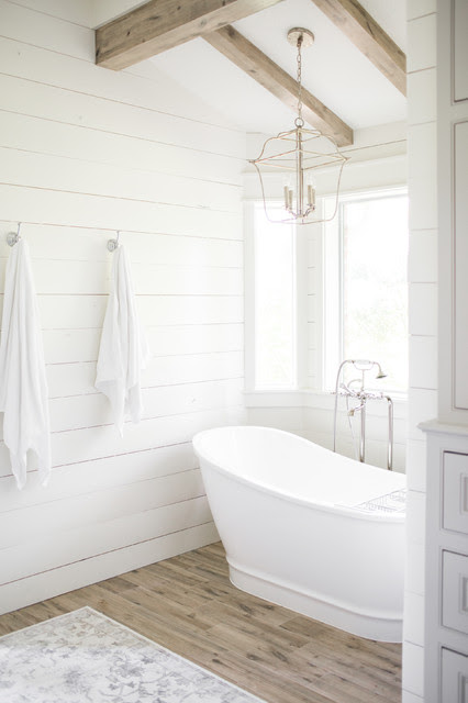 Farmhouse-Style Bathroom Before and After