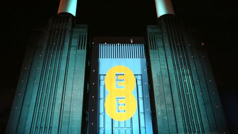 EE apologises over 'spam' texts