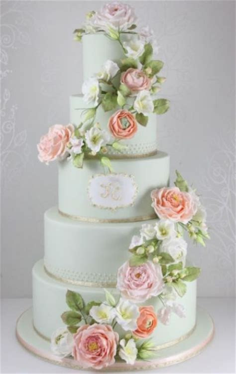 24 Gentle Mint Green Colored Wedding Cakes   Weddingomania