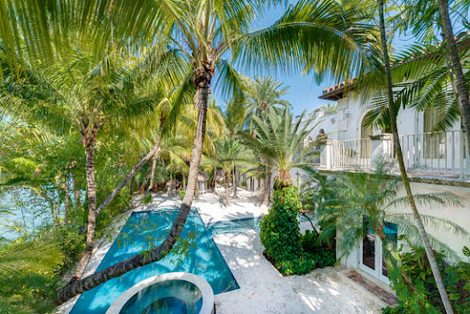 Lenny Kravitz's Onetime Miami Beach Home Seeks $25 Million - WSJ