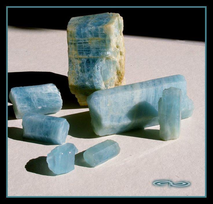 אתר הקריסטלים - אקוומרין Aquamarine