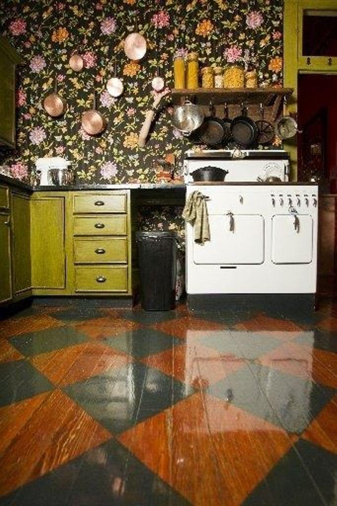 15 Charminng Kitchens with Floral Wallpaper - Rilane
