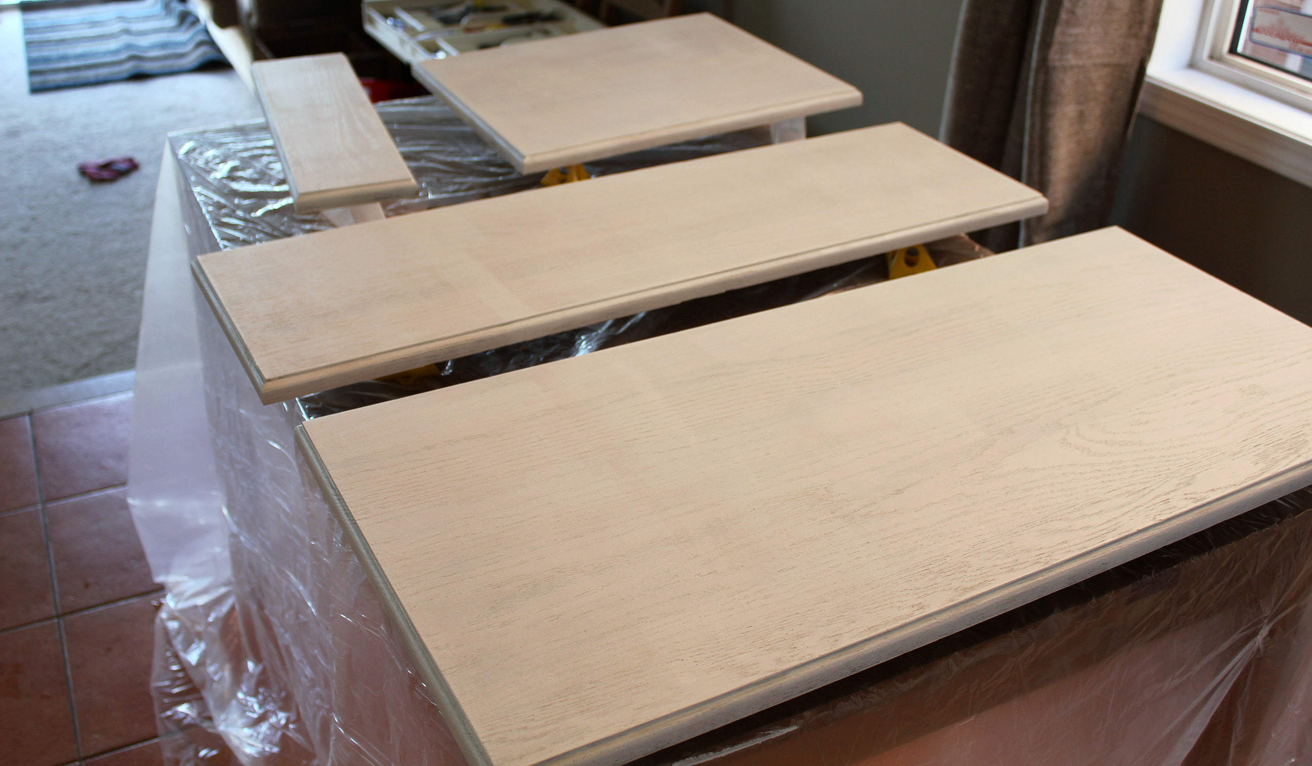 kitchen cabinets white paint