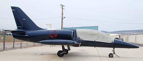 Aerovodochody L-39 Albatross N39ED