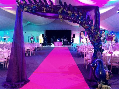 Peacock Themed Wedding Decorations ? A perfect theme for