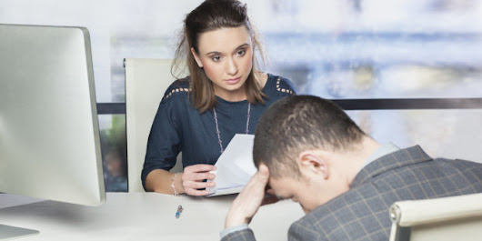 Errors that can knock one down in a job interview | Onrec