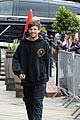 louis tomlinson takes selfies with fans while promoting back to you 01