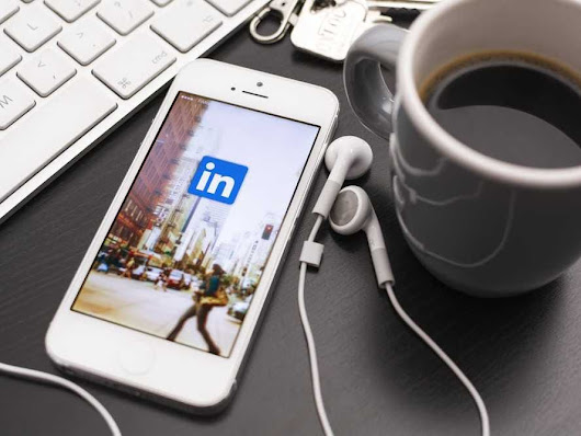 19 terrible LinkedIn mistakes you're making