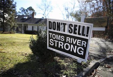 "A sign saying, ""Don't Sell! Toms River Strong,"" is seen on a street Monday, Feb. 22, 2016, in Toms."